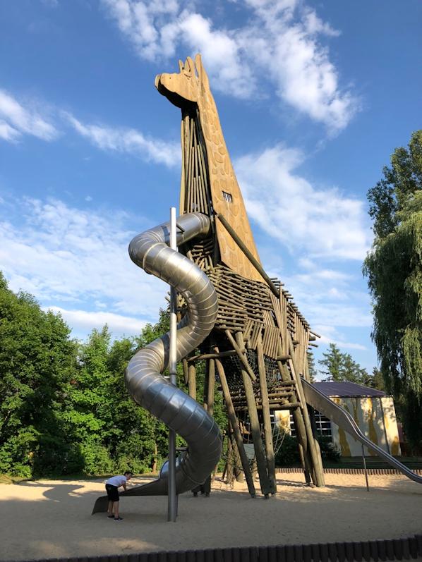 Familienausflug in den Sergenti Park